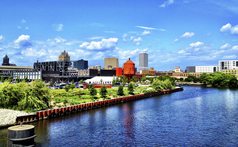 Skyline Exhibits Southern Wisconsin Proudly Provides the City of Milwaukee With Trade Show Displays and Exhibits