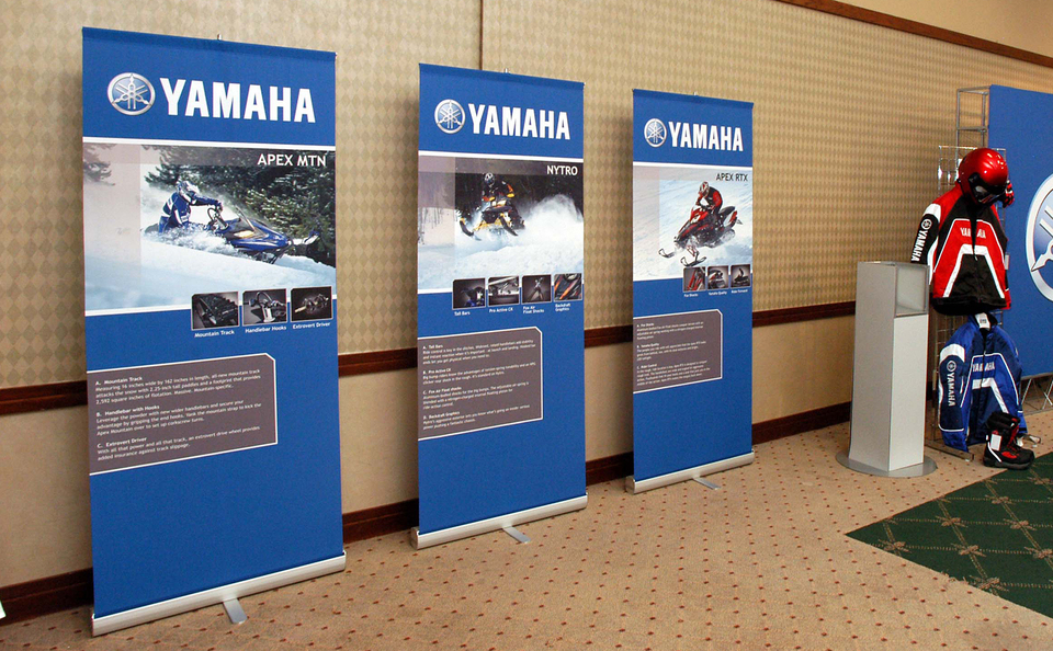 Retractable Banner Stands Vertical Banner Stands 3000r