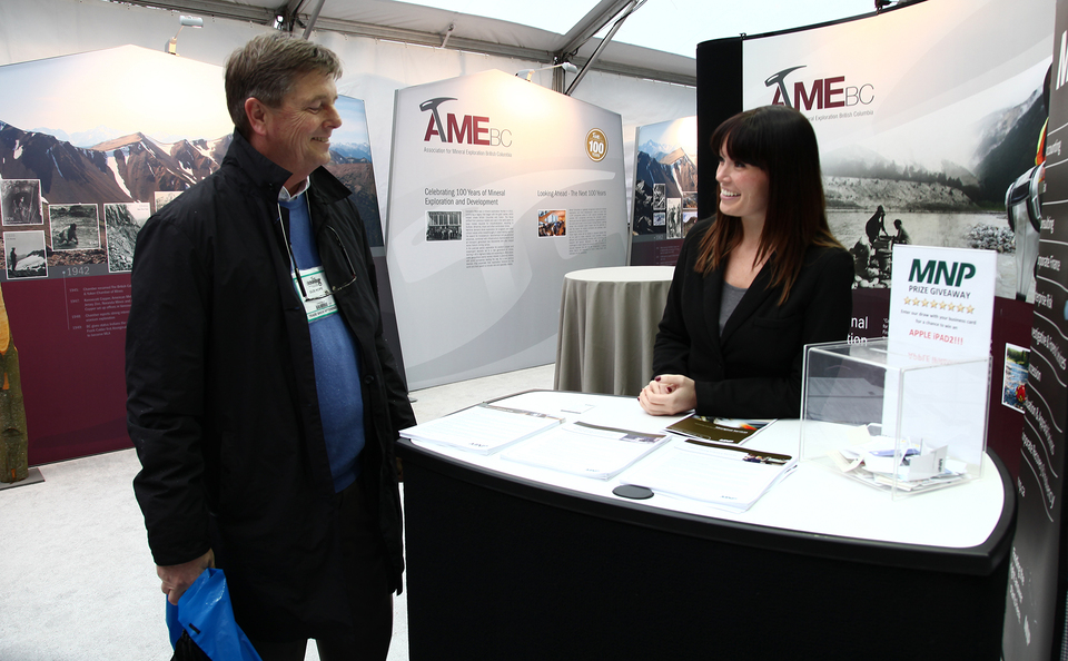 trade show events exhibits stratus table
