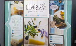 Olive & Ash Portable Display